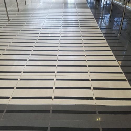 Anti slip grip tape ramp